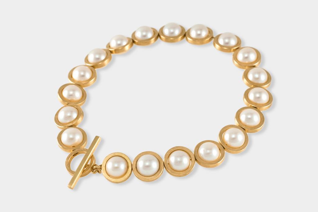 Evelyn Vanderloock Armband, Isabella Hund Gallery